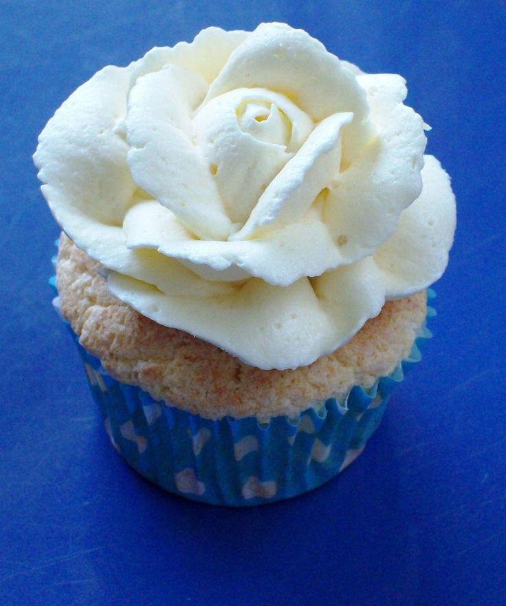 25 Best Rose Frosting Ideas On Pinterest Cupcake