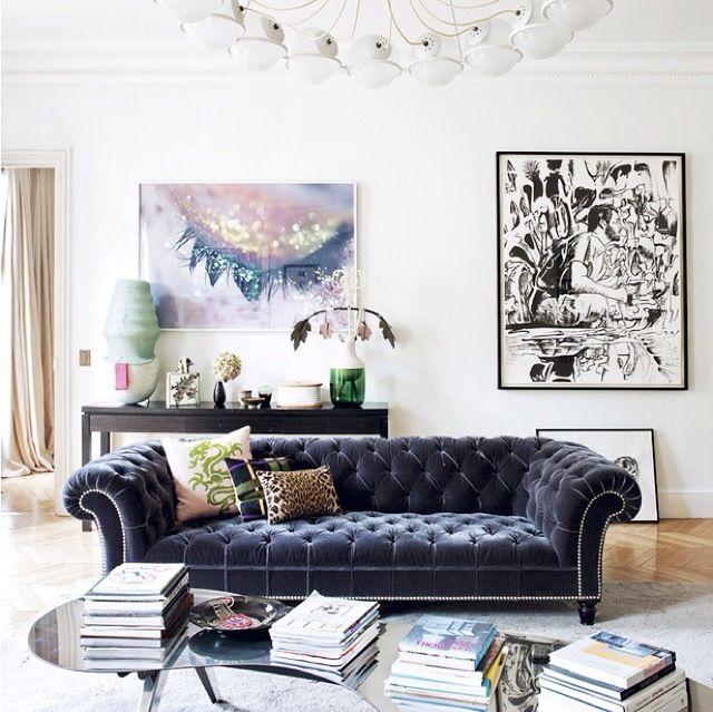 Love this Parisian apartment. ❤️