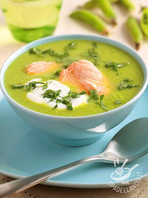 Peas and salmon cream - La Crema di piselli e salmone è un primo piatto davvero salutare e gustoso, un comfort food delicatissimo e dal profumo molto fresco. #cremapiselli #cremasalmone