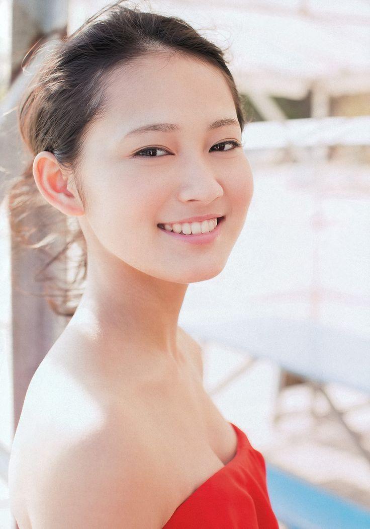 遂に女優デビューする「国民的美少女」吉本実憂さんの水着画像がエロ過ぎる : 健全なアイドル画像速報