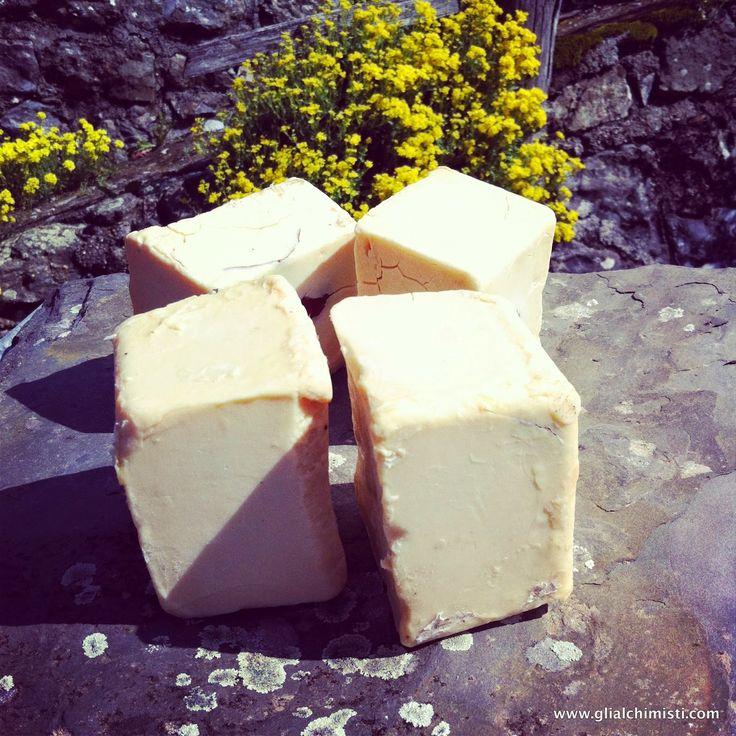Gli Alchimisti - ricette efficaci!: SAPONE TIPO ALEPPO - CON SOLO OLIO DI OLIVA E ALLORO