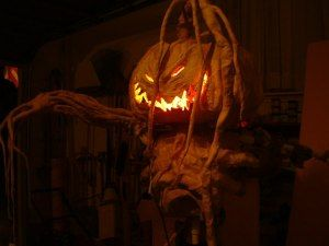 An awesome step by step tutorial on making Halloween Scarecrows and Monsters.  www.spookyblue.com
