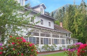 Lake Crescent Lodge in Olympic National Park. One of the national parks historic lodges built in 1916.