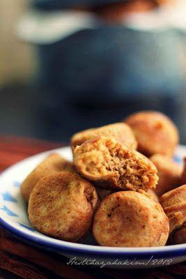 Apang bakar atau apem bakar?? mungkin sebenarnya sama sih maksudnya, tapi kalau kami orang Makassar kan kelebihan vitamin 'NG' jadi nye...