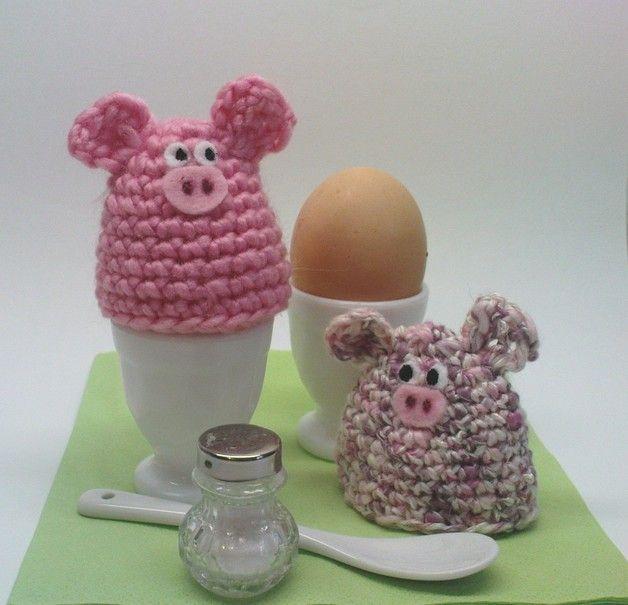 Die gehäkelten Eierwärmer bereichern jeden Frühstückstisch und entlocken selbst Morgenmuffeln ein Lächeln! Auf Wunsch können auch unterschiedliche Tierfiguren kombiniert werden - dazu einfach ein...