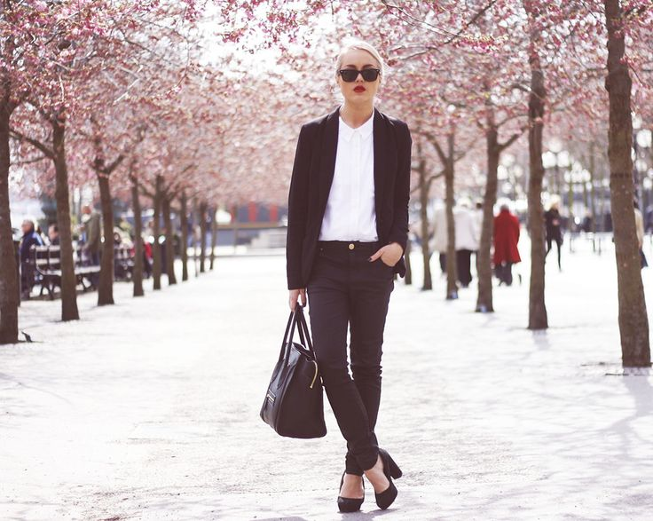 : Style Inspo, Celine Bags, Angelica Blick, Black And White, Street Style, Personalized Style, Favorite Fashion, Fashion Bloggers, Nice Outfits