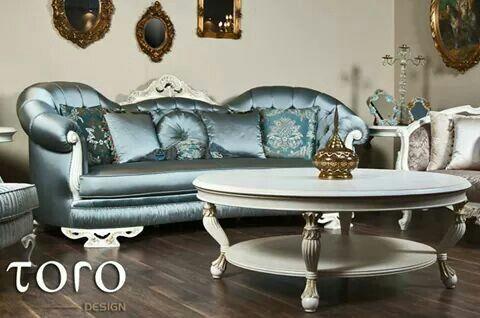 Canapeaua Jumla este o oaza de relaxare in casa dumneavoastra. Un mobilier luxos, rezistent, cu un aspect clasic si elegant cu care nu veti da gres niciodata!  Pentru mai multe idei, va asteptam in showroom-ul nostru din Bd. Pipera 25A.  www.torodesign.ro