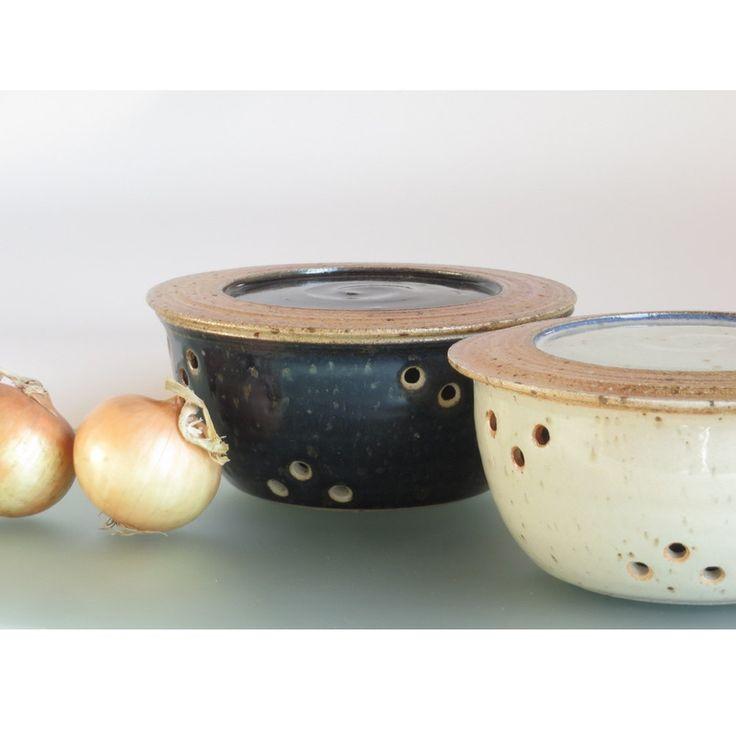 Contenitore in ceramica con coperchio