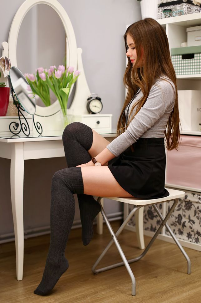 Over the knee socks are one of my favorite addictions! Usually I prefer black color, but this time I chose grey. Combined with a mini black skirt and grey turtleneck top from SammyDress.com look like a schoolgirl outfit! Instead a ordinary necklace, I decided wore the original black bowtie from Choies.com