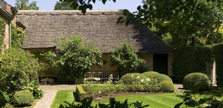 25 beste idee n over kleine tuinen op pinterest kleine tuin ontwerpen tuin make over en - Deco kleine zithoek ...