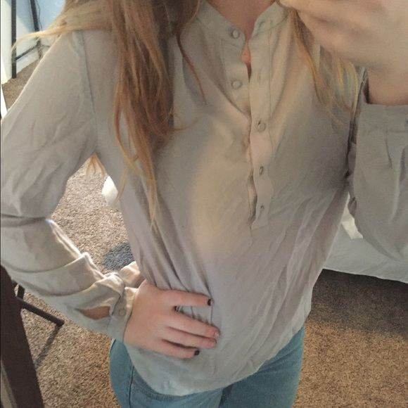 Button up sheer shirt Button up sheer shirt great for any outfit Forever 21 Tops Tees - Long Sleeve