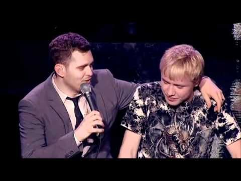 Mom convinces Michael Buble to let her 15-year old son sing with him. He was floored by how well the boy could sing! - excuse Michael's language. But this is so great. ;P Love love love.