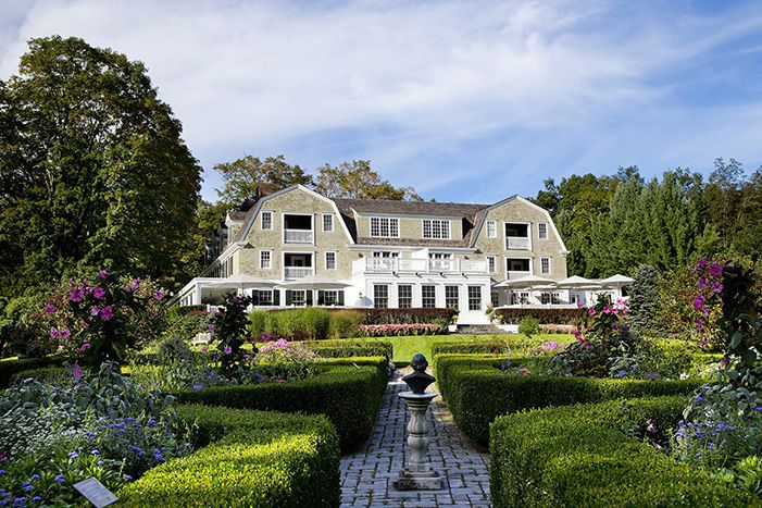 The Mayflower Grace. Hotel and restaurant in a village. United States, Washington. Unique in the world: The gardens feature 24 hectares of specimen trees, manicured lawns and the famous Shakespeare garden and maze. #relaischateaux #themayflower