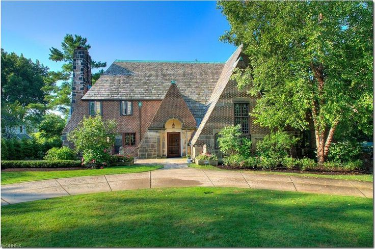 BLOODGOOD TUTTLE, Architect, 1923 |  18850 S Woodland Rd, Shaker Heights, OH 44122