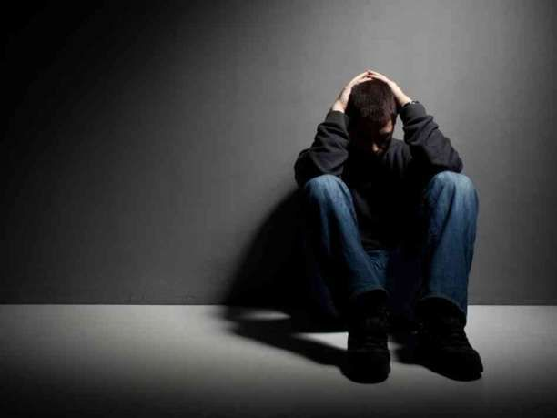 12 απλές αλλαγές συμπεριφοράς που αντιμετωπίζουν την κατάθλιψη