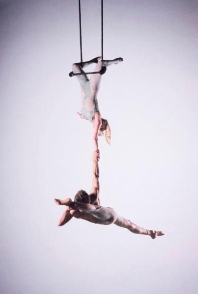 Aerial Trapeze | International Circus Stardust Entertainment