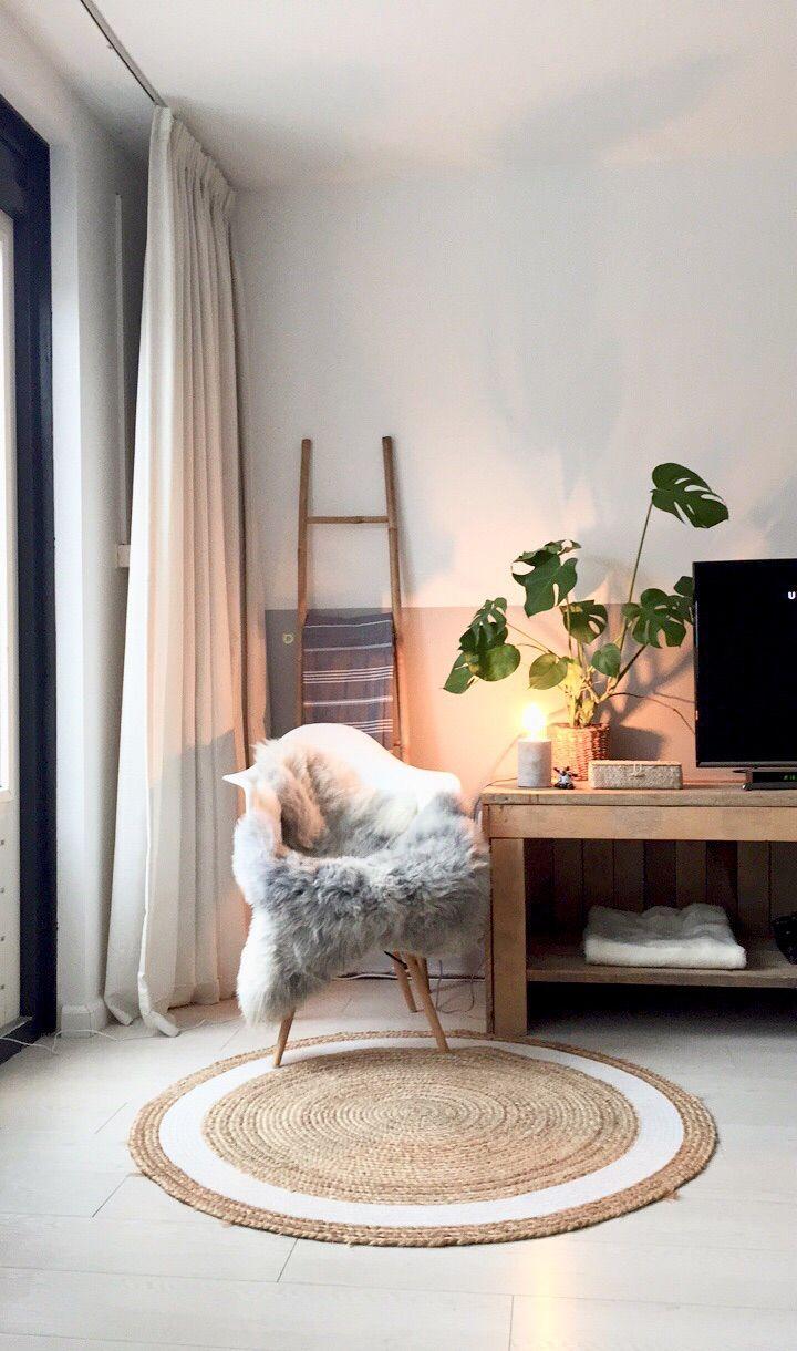 warm light and cozy rug | #connox #beunique
