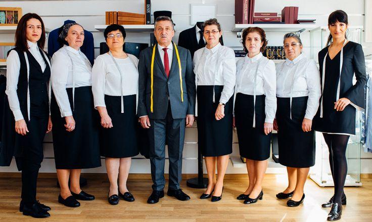 Anghel Constantin si echipa de croitori la comanda | Costume si camasi barbatesti la 1h de Bucuresti