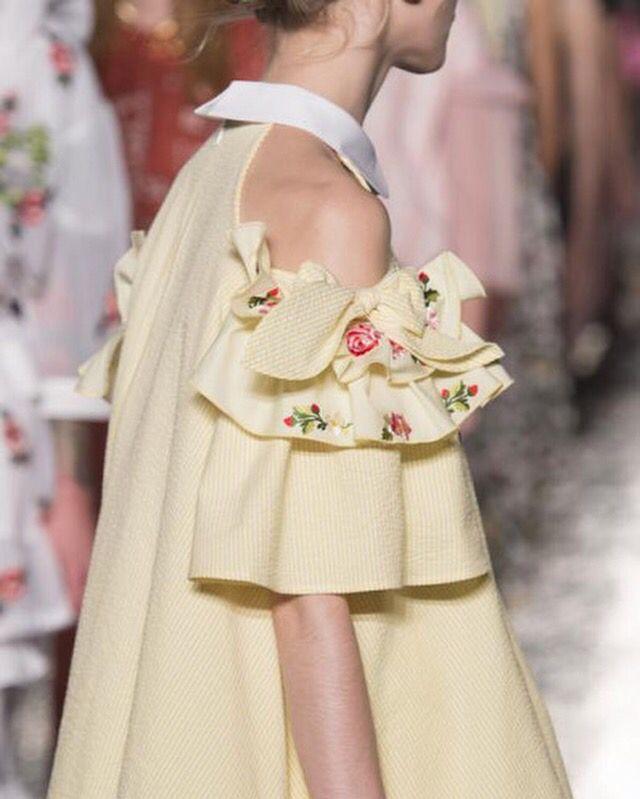 Vivetta at Milan Fashion Week Spring 2017 - Details Runway