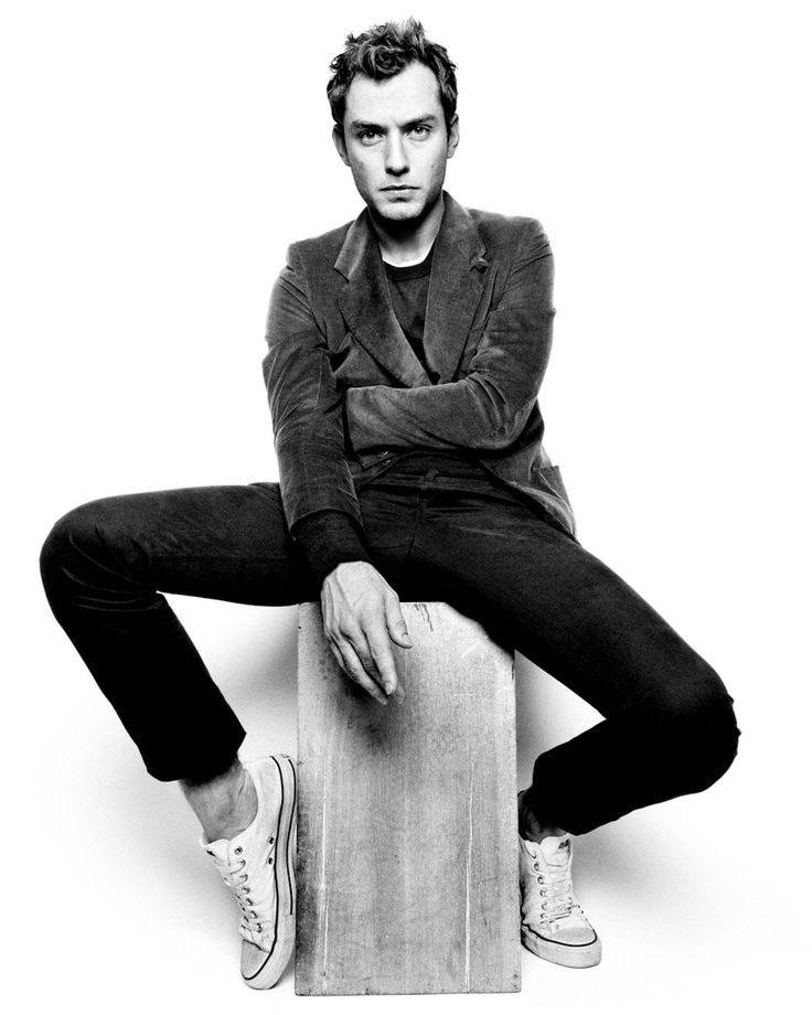 CLM - platon - Jude Law : Lookbooks - the Technology behind the Talent.