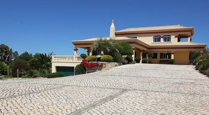 Luxury 6 bedroom villa in Ferragudo for sale in Lago, Portugal