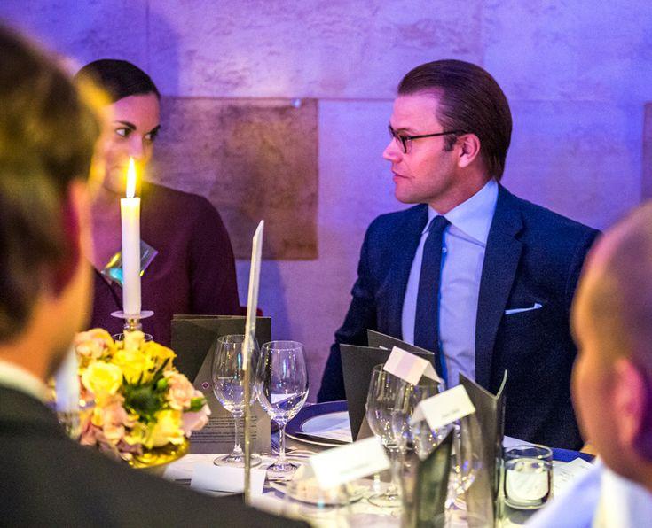 Prins Daniel på elegant middag | Stoppa Pressarna – Alltid uppdaterade kändisnyheter och skvaller om stjärnor och kungligheter
