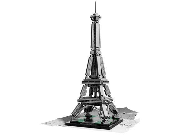 Cu acest model excepţional, îţi poţi acum construi propriul Turn Eiffel din 321 de piese sub formă de cărămizi