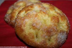 Aujourd'hui, je vous propose une délicieuse recette de tarte au sucre. A la place d'en faire une grosse, j'en ai fait 8 individuelles. Je trouve que c'est plus pratique. La tarte au sucre est une pâte levée ronde avec sur le dessus du beurre et beaucoup...