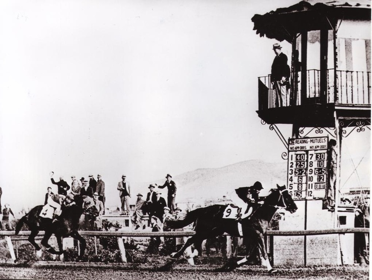 Phar Lap wins at Agua Caliente in Mexico