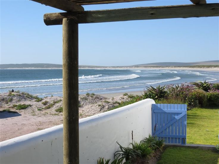 Zula Beach Cottage - Zula Beach Cottage is a small studio style cottage which is on the beach. It is self-contained with lovely beach views. The beach is 15 metres from the front door. This self-contained studio cottage is ... #weekendgetaways #paternoster #westcoast #southafrica