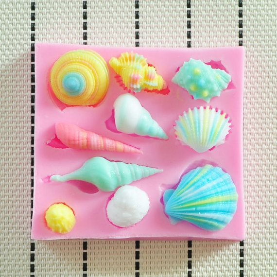 Lovely shell silicone mold fondant cake by DiyCraftProject on Etsy, #seashell #siliconemold #foodgrade