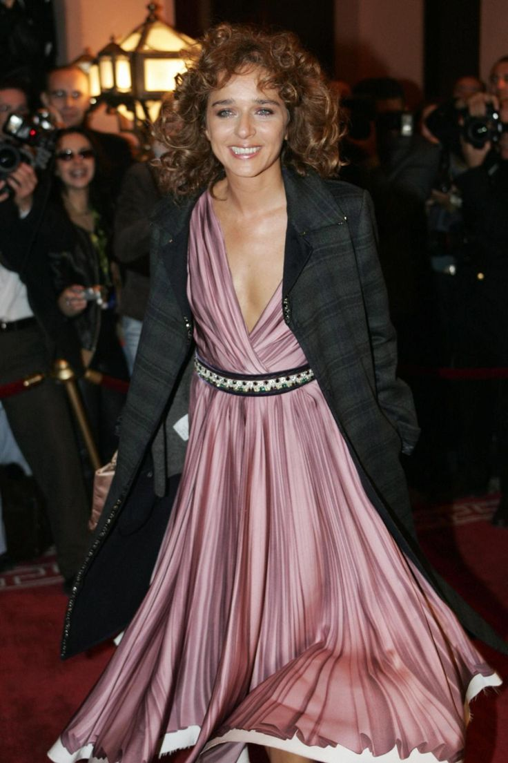 Clapton reportedly had a brief fling with Italian actress and director Valeria Golino in 1991.
