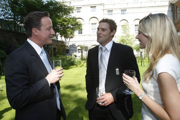 David Cameron and Michael Lumb Photos Photos - Prime Minister David Cameron (L) talks to Michael Lumb of England and his wife Lizzie during a reception for the England cricket team, winners of the Twenty20 World Cup, in the garden of 10 Downing Street on May 24, 2010 in London, England. - David Cameron Greets The T20 England Cricket Team At Downing Street