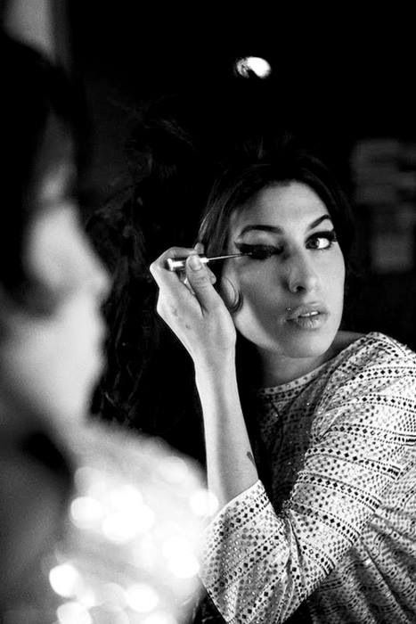 Amy Winehouse #BeIconic http://www.essilor.co.uk/Lenses/Photochromics/Pages/TransitionsSignatureVIIGraphiteGreen.aspx