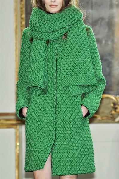Вязаное пальто на осень2011 крючком схемы