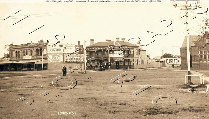 Mt Alexander Rd, Essendon, 1911 http://www.historicphotographs.com.au/searcher.asp?terms=Essendon