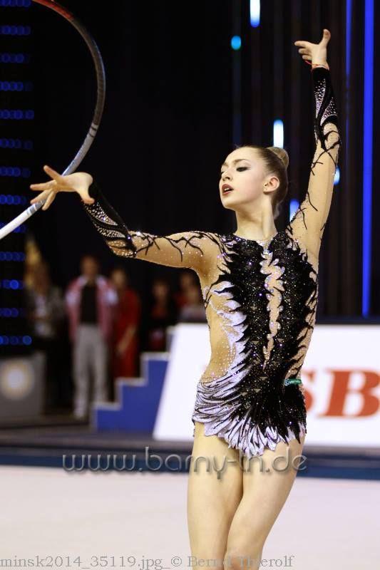 Maria Titova, Russia; hoop 2013 #rhythmic_gymnastics