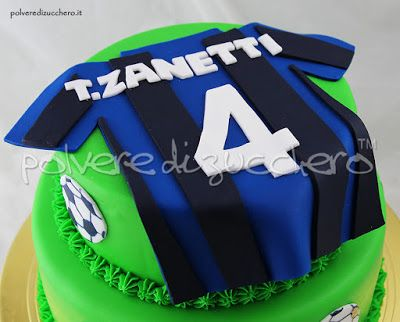 Torta decorata tema calcio con maglietta dell'inter Zanetti  Decorated cake football with Inter shirt Zanetti
