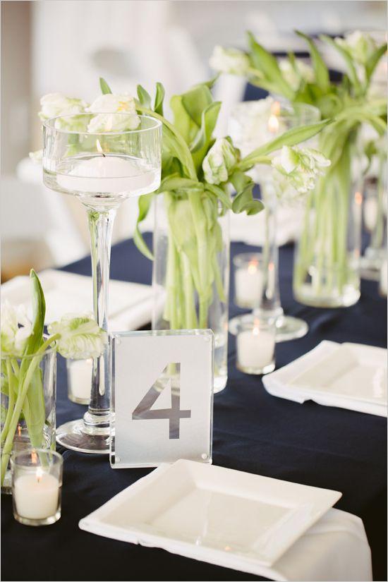 элегантный свечи и цветочные вазы центральные