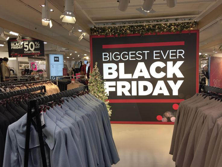 BHS, Oxford Street, Black Friday 2015.