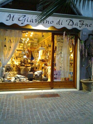 #smodatamente.it #visitpietraligure #Liguria #Italy #igersliguria #IG_LIGURIA #shop #visitriviera #pietraligure #pietraligure2014