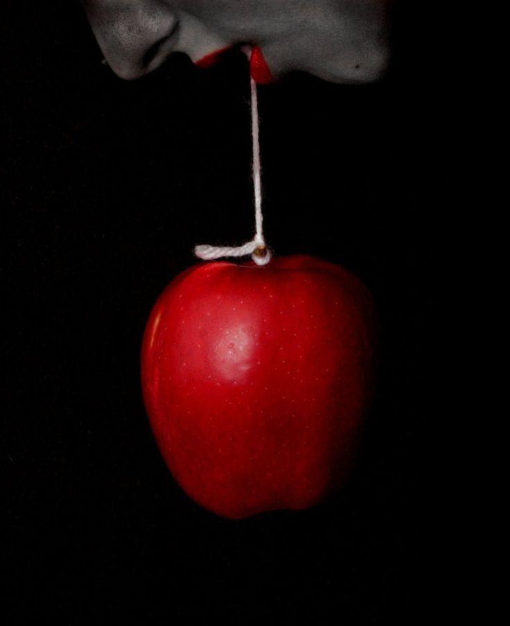 Блестяшками, картинка с яблоком про травлю
