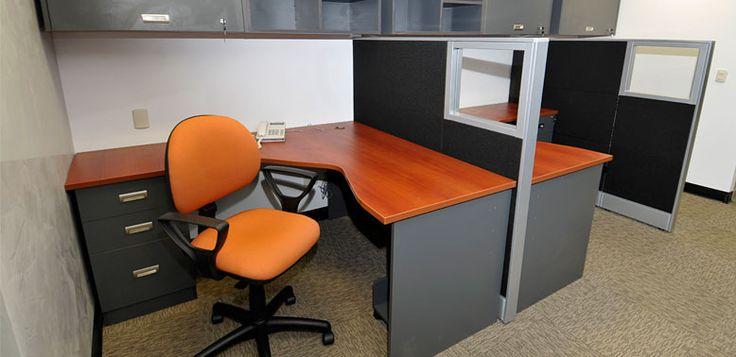 Ergonómicos a panel -- Características: La principal característica de esta línea de escritorios es el diseño del tablero de trabajo. Infórmate más sobre este mueble dándole clic a la imagen.