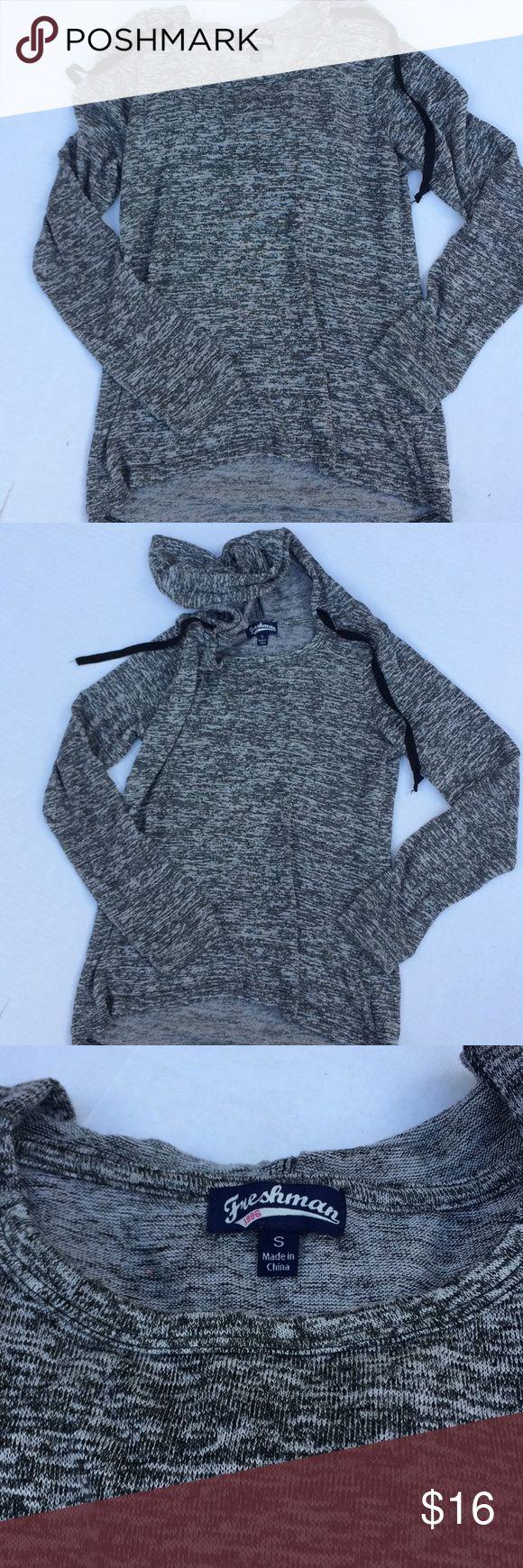 Perfect gray thin hoodie. Everyone needs a perfect thin gray hoodie for fall!! Freshman Tops Sweatshirts & Hoodies