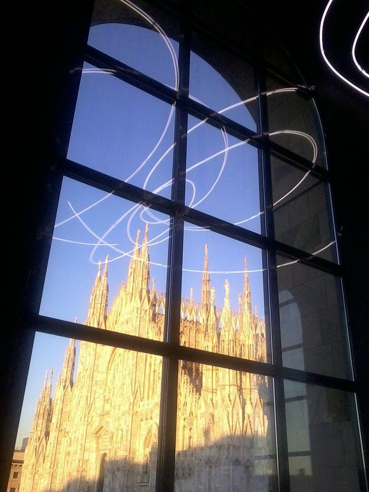 Terraço  Lucio Fontana – Struttura al neon