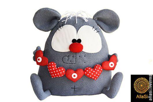 Игрушки животные, ручной работы. Ярмарка Мастеров - ручная работа. Купить Подушка игрушка Влюбленный крыс именной Авторская ручная работа. Handmade.