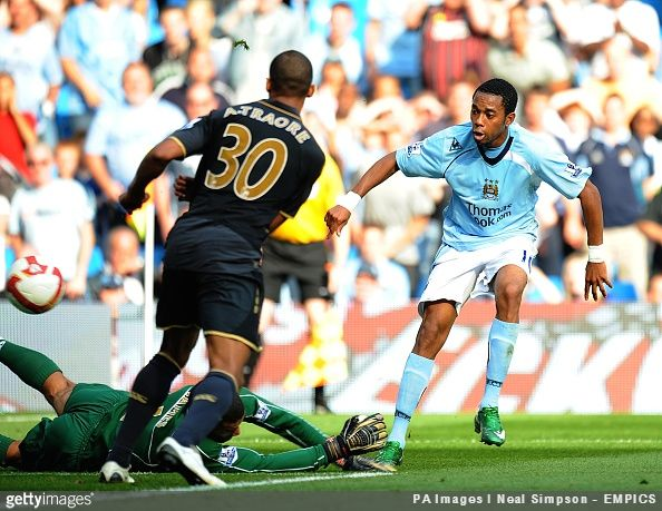 Former Manchester City forward Jô tells of a moment where his fellow Brazilian Robinho realised the physicality of the Premier League