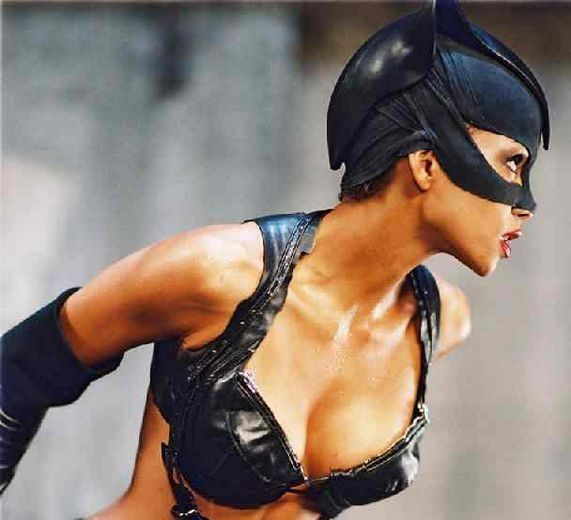 Catwoman_halle_berry