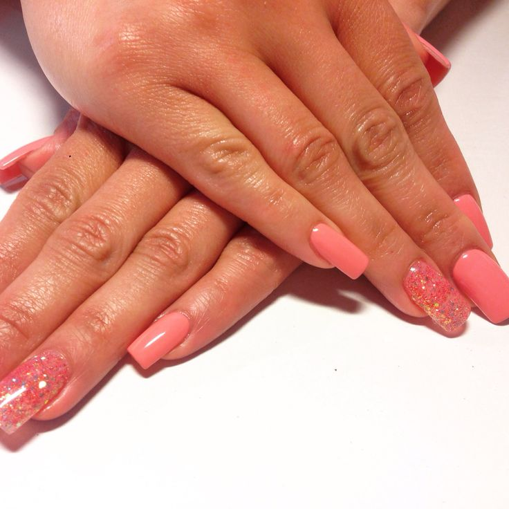 Blossom pink nails with sparkling ringers
