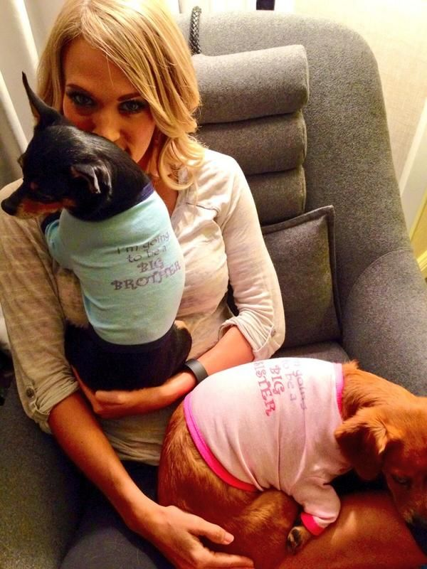 Carrie Underwood's Pregnancy Announcement Is Adorable (I AM SO HAPY FOR THEM! YAY!!)